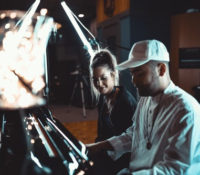 Grandtheft & Delaney Jane – Easy Go (Acoustic Video)