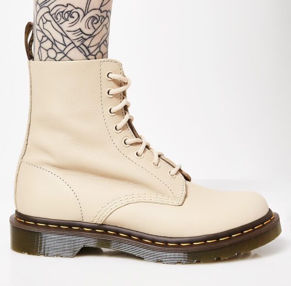 Dr. Martens Nude Pascal Boots
